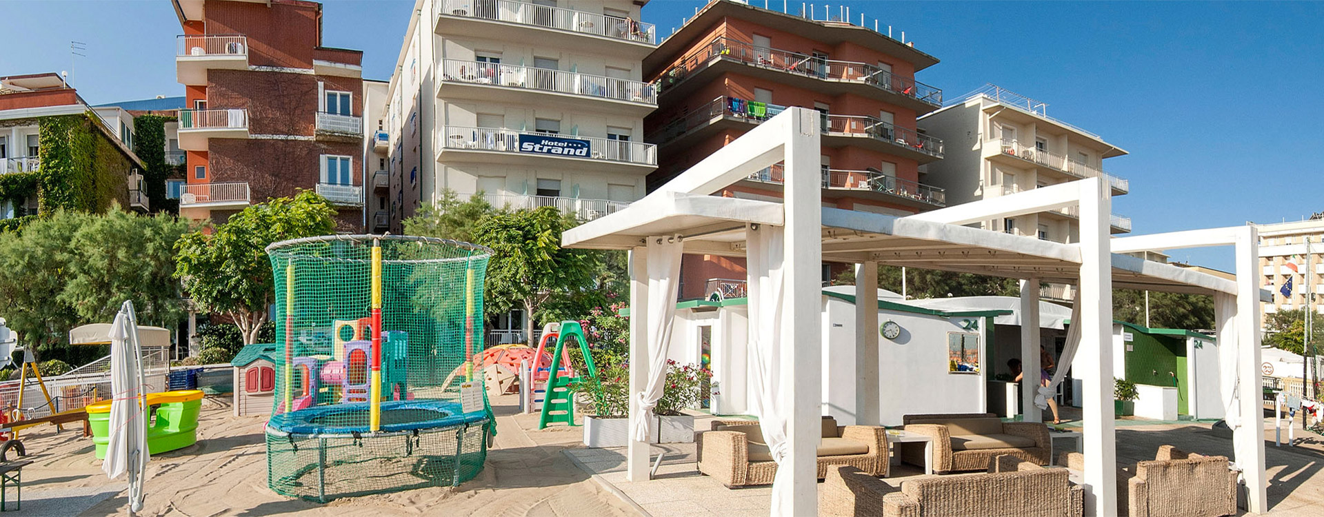 Hotel sul mare gabicce for Hotel barcellona sul mare